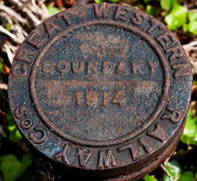 Great Western Railway Boundary Marker by Guy Butler-Madden http://www.geograph.org.uk/profile/72441.